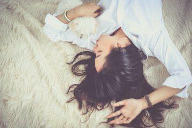 寝癖を簡単に直す方法と対策をお教えします。