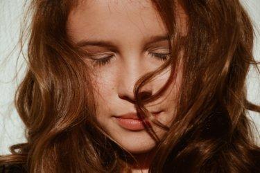 【おすすめのヘアオイル3選】オイルの効果でサラツヤ髪を手に入れる