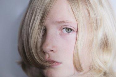 パサパサの髪をヘアカラーでツヤツヤに!ツヤの出やすい髪色とは!?